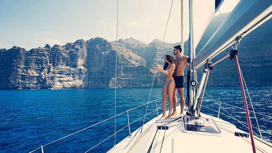 best-canary-island-for-couples_romantic-sailing